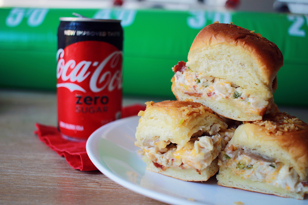 easy crowd jalapeno popper sliders